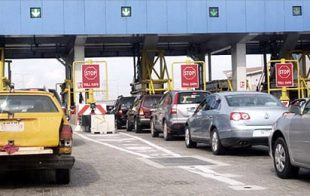 Bad roads: FG considering reintroduce toll gates