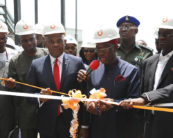 Fashola, Okowa, Elumelu at the commissioning of 115mw gas turbine at the transcorp power Ltd , Ughelli , delta state during the 13th monthly meeting of power sector operators