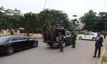 DSS, EFCC, Police Lay Siege On Saraki, Ekweremadu's  House