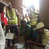 Ekiti Election: PDP's guber candidate Eleka finally casts his vote after card reader malfunction