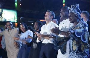 President Macron parties at Nigeria nightclub